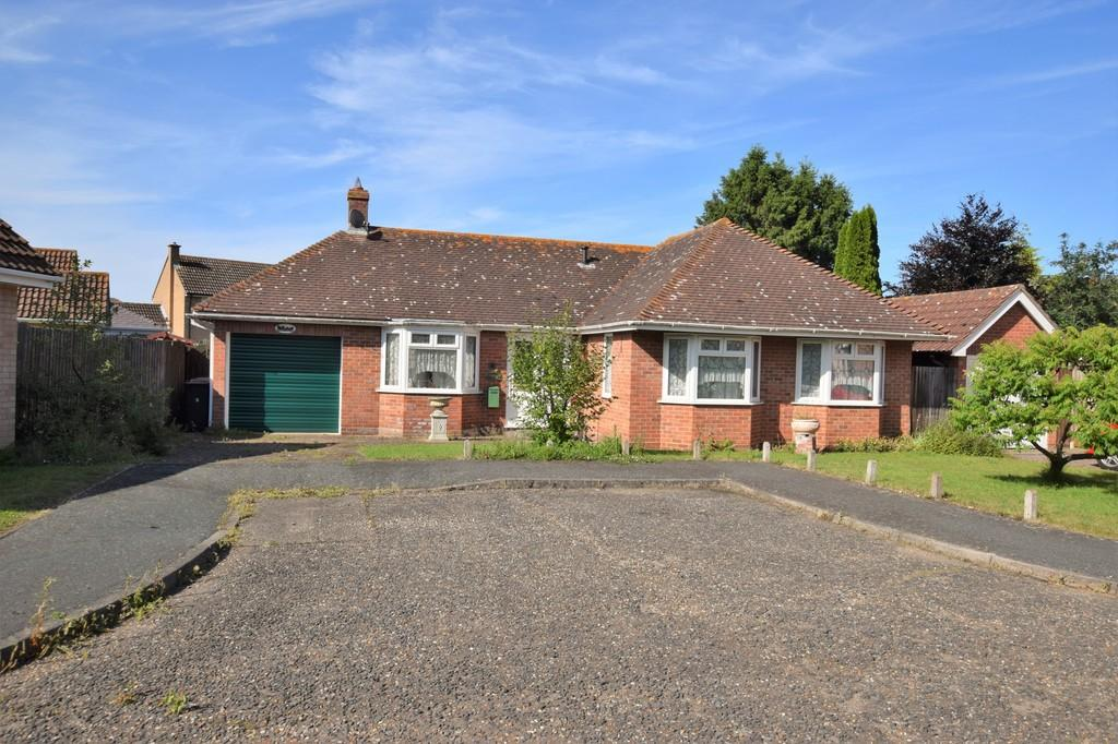 3 Bedrooms Detached Bungalow for sale in Leavenheath, Colchester CO6 4NP