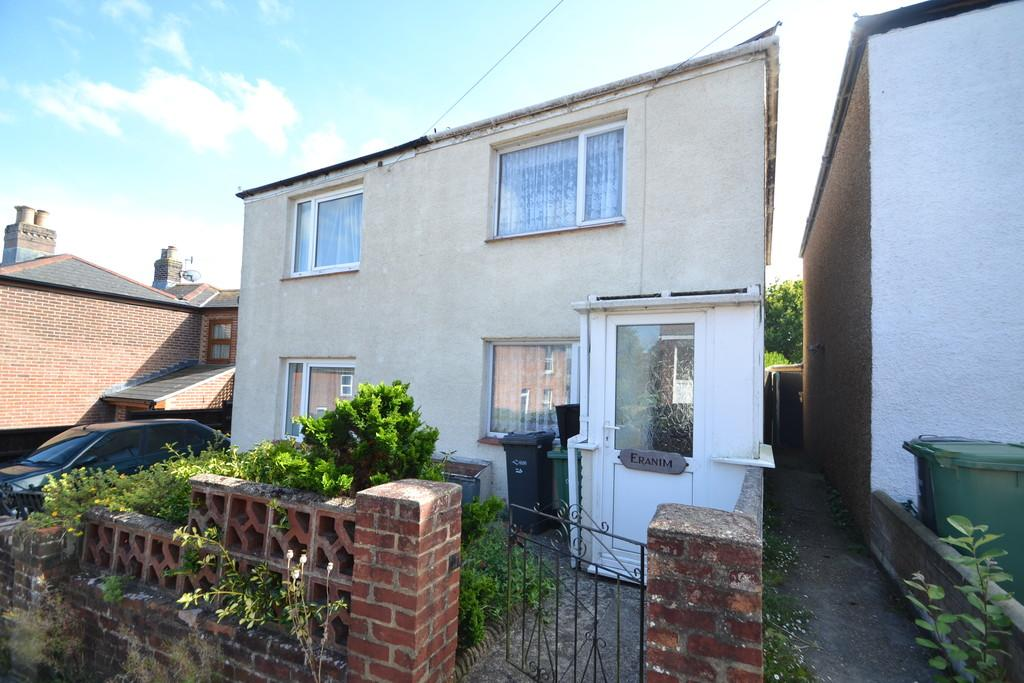 3 Bedrooms Semi Detached House for sale in Mitchells Road, Haylands