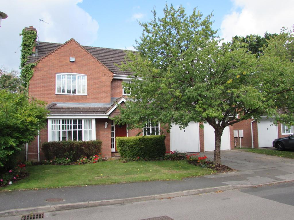 5 Bedrooms Detached House for sale in Foxley Drive, Catherine-de-barnes