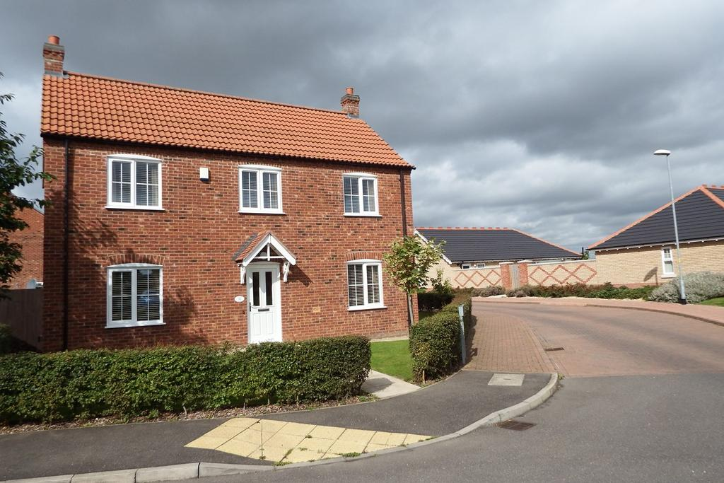 3 Bedrooms Detached House for sale in Clover Way, Spalding, PE11