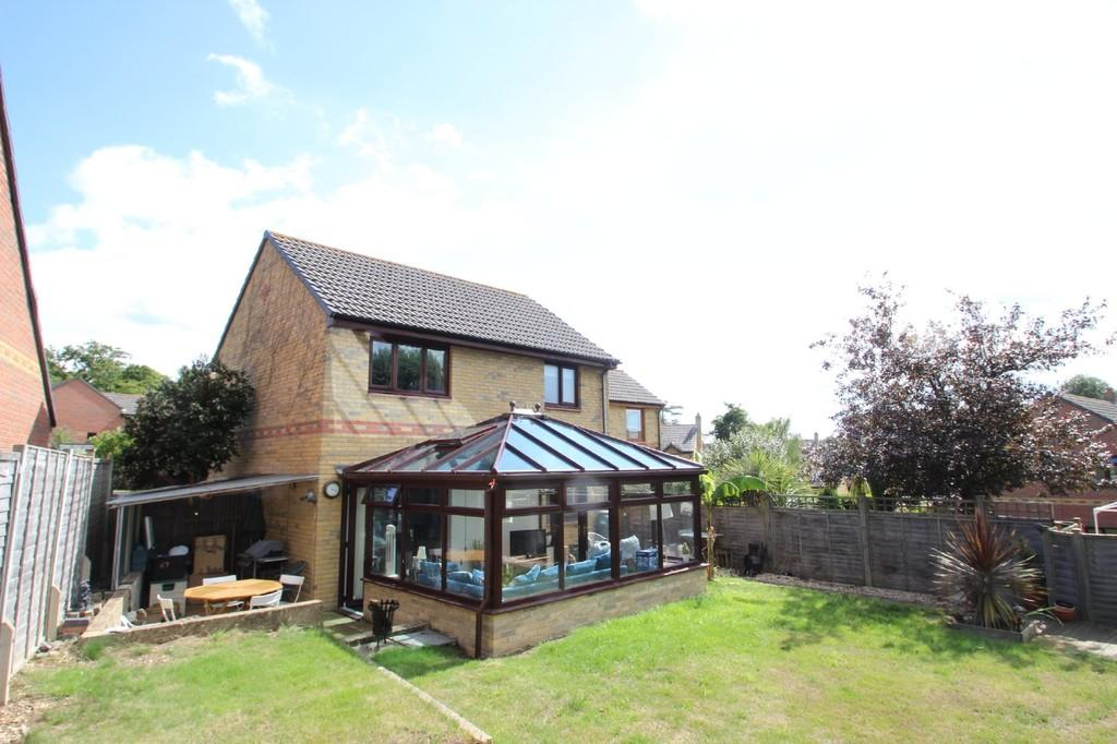 3 Bedrooms Detached House for sale in Sylvan Avenue, East Cowes