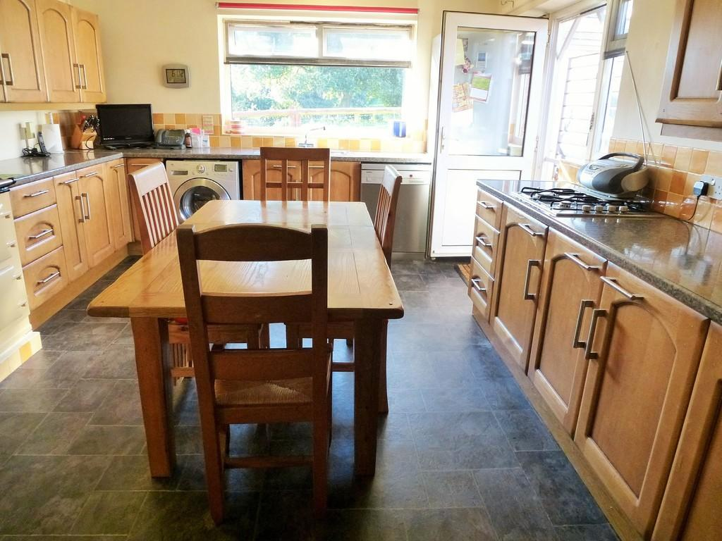3 Bedrooms Detached Bungalow for sale in Roughton