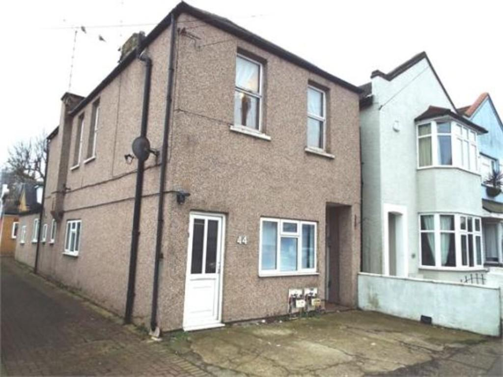 2 Bedrooms Flat for sale in Glendale Gardens, Leigh-on-Sea