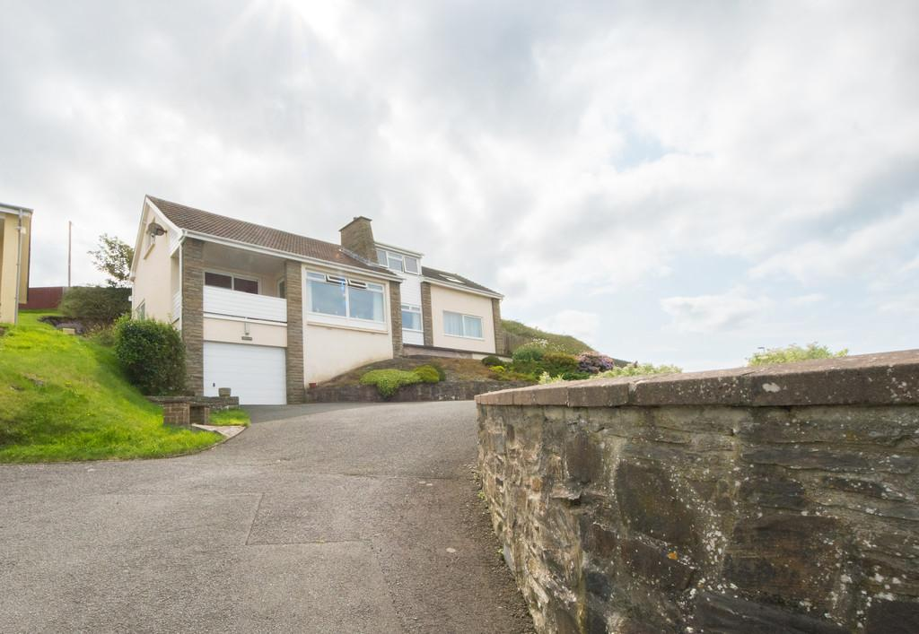 3 Bedrooms Detached House for sale in Penyranchor, Aberystwyth