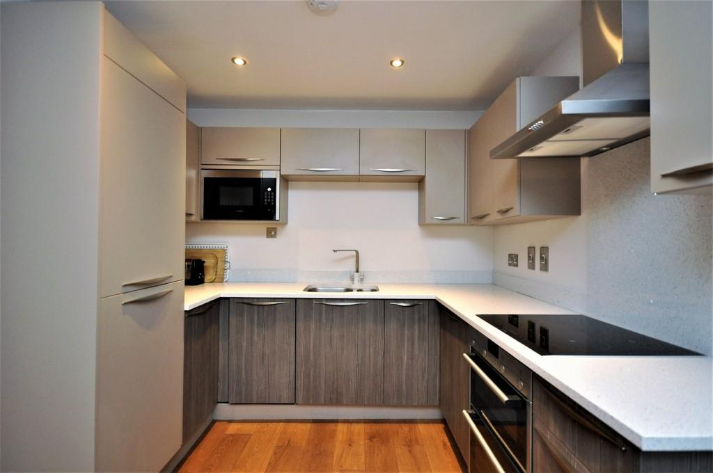 1 Bedroom Apartment Flat for sale in Esher