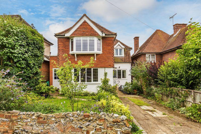 4 Bedrooms Detached House for sale in Merrow