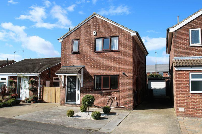 3 Bedrooms Detached House for sale in Knaith Close, Yarm TS15 9TL
