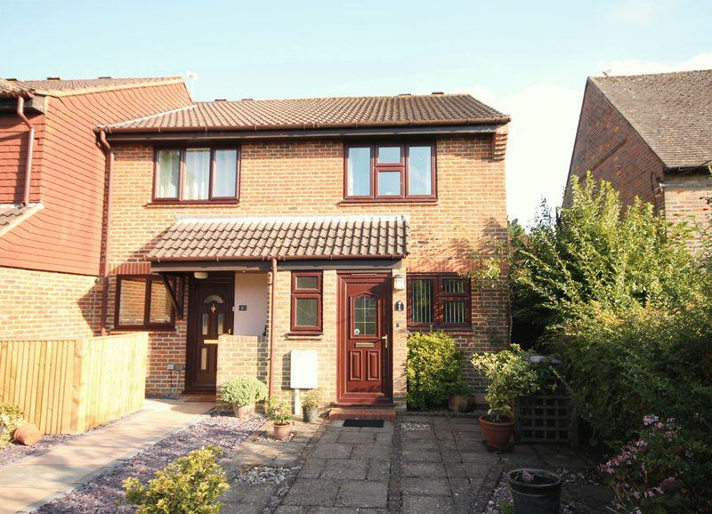 2 Bedrooms End Of Terrace House for sale in Lime Tree Grove, Lindfield, West Sussex