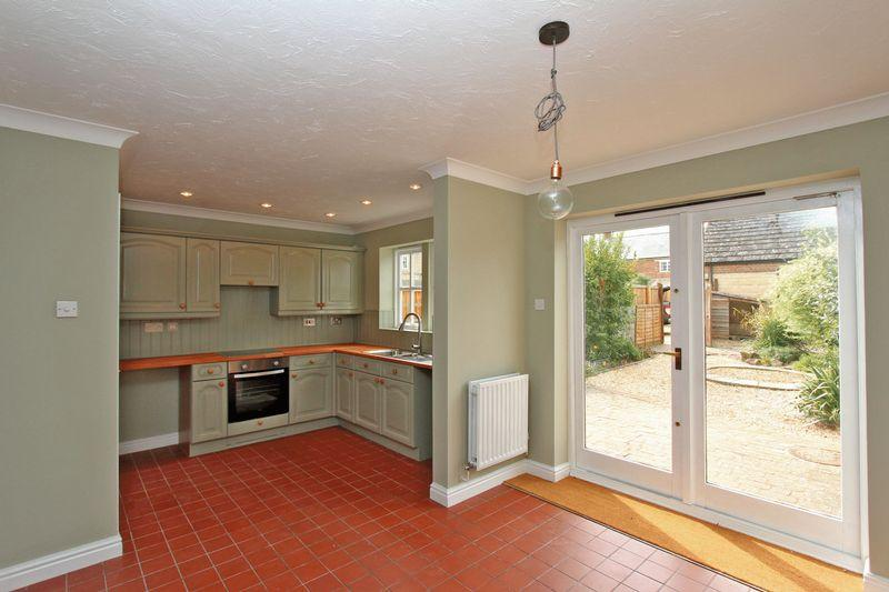 3 Bedrooms Terraced House for sale in Highgate Green, Elton, Peterborough