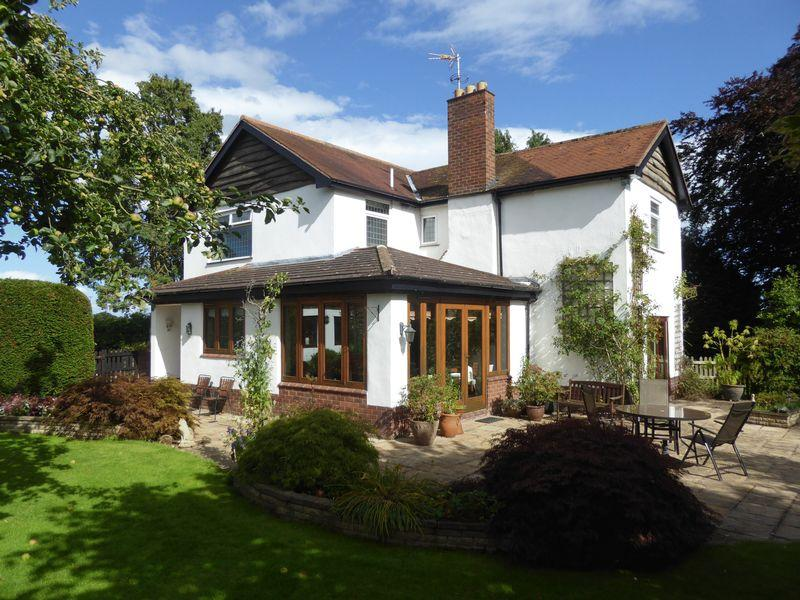 4 Bedrooms Detached House for sale in Rhuddal Heath, Tarporley