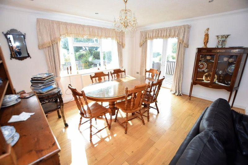 3 Bedrooms Bungalow for sale in Plantation Lane, Bearsted Maidstone