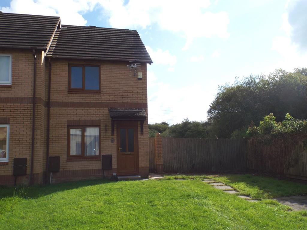 2 Bedrooms End Of Terrace House for sale in Clos Cilsaig, Dafen, Llanelli