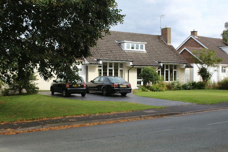 3 Bedrooms Detached House for sale in Yew Tree Lane, Wolverhampton