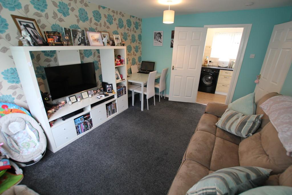 1 Bedroom Ground Flat for sale in Jessop Road, Stevenage