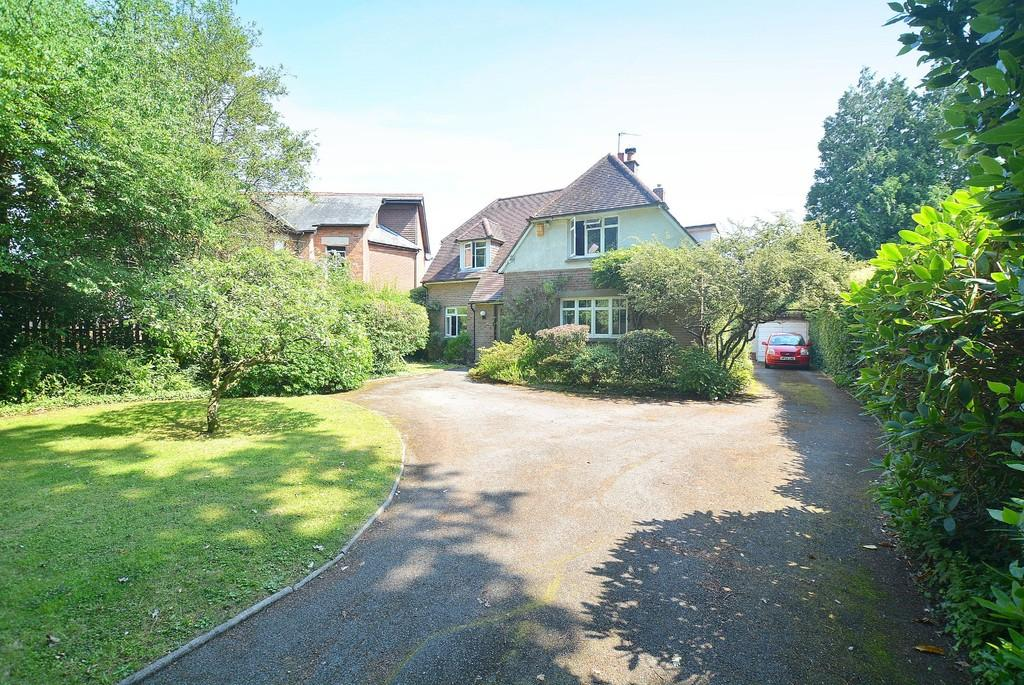 4 Bedrooms Detached House for sale in Beaucroft Road, Wimborne