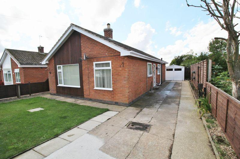 3 Bedrooms Detached Bungalow for sale in Linden Drive, Skegness