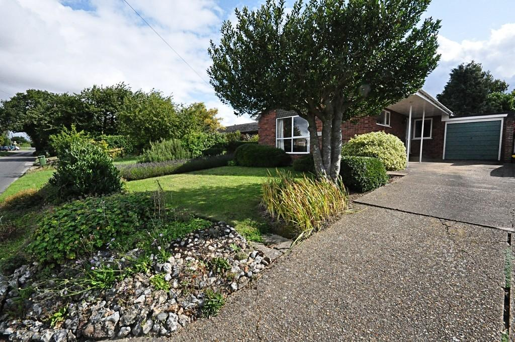 3 Bedrooms Detached Bungalow for sale in Mill Lane, Pulham St. Mary