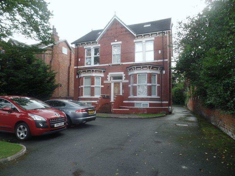10 Bedrooms Semi Detached House for sale in 28 Chambres Road, Southport