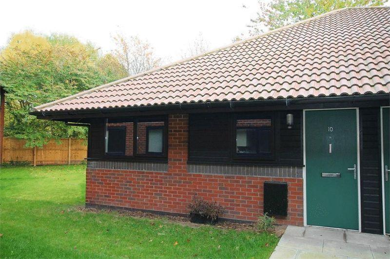 1 Bedroom Apartment Flat for sale in Hamnett Court, Warrington