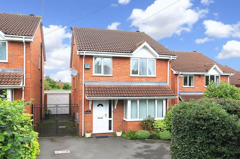 4 Bedrooms Detached House for sale in WOMBOURNE, Bull Meadow Lane