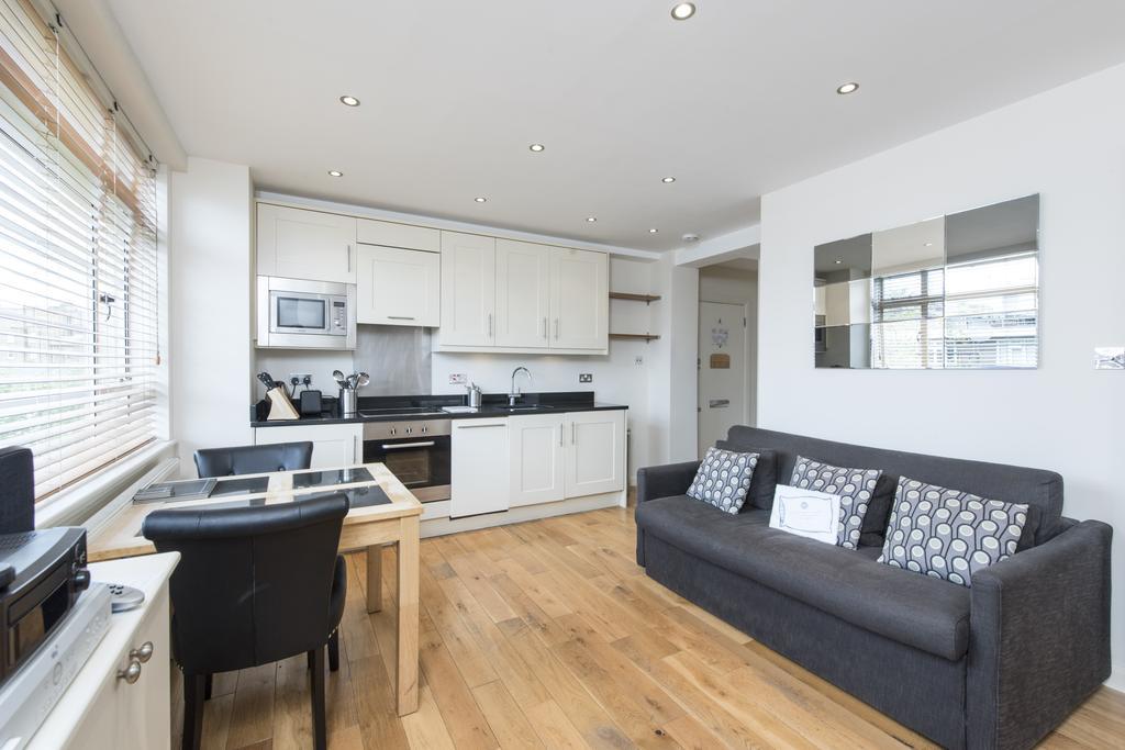 1 Bedroom Flat for sale in Sloane Avenue, Chelsea