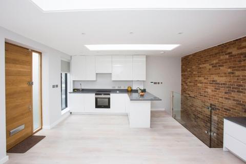 2 bedroom apartment to rent - Askew Crescent,  Shepherd's Bush, W12