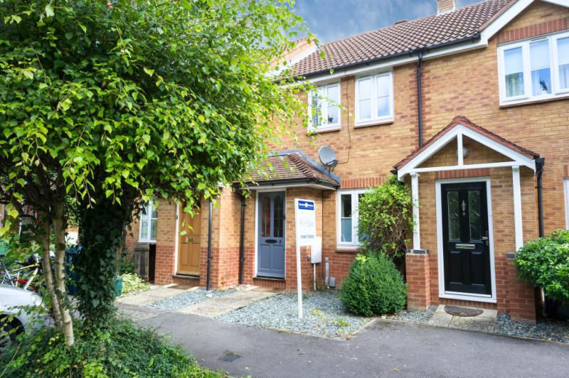 2 Bedrooms Terraced House for sale in Pond Close, Headington, Oxford, Oxfordshire
