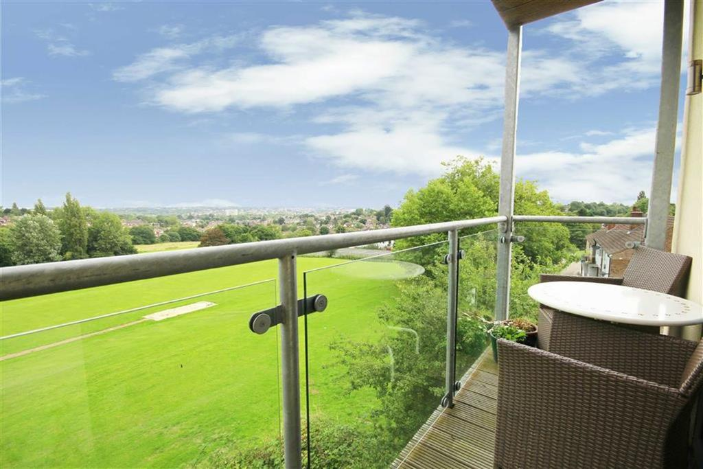 2 Bedrooms Flat for sale in Snowberry Close, High Barnet, Hertfordshire