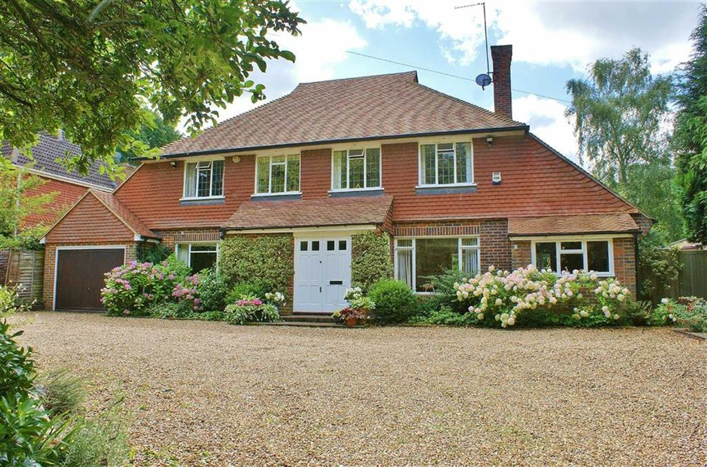 4 Bedrooms Detached House for sale in Miles Lane, Cobham, Surrey, KT11