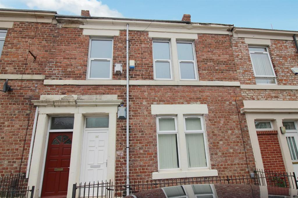 3 Bedrooms Flat for sale in Beaconsfield Street, Newcastle Upon Tyne