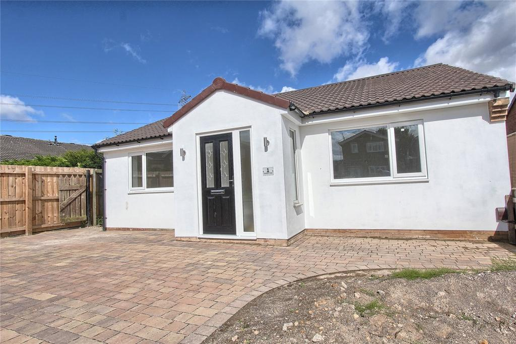 3 Bedrooms Detached Bungalow for sale in Coulson Close, Yarm