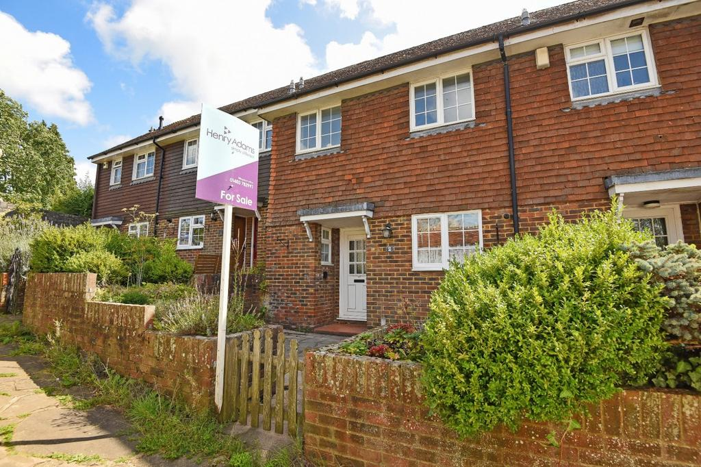 2 Bedrooms House for sale in St Mary's Close, Billingshurst, RH14