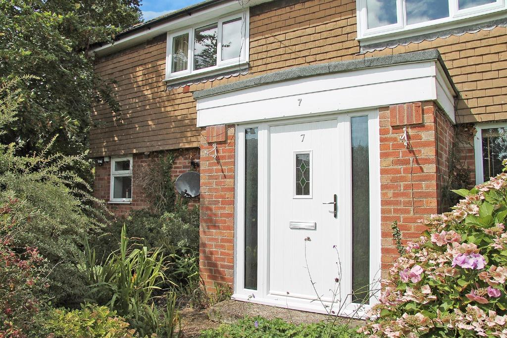 4 Bedrooms Semi Detached House for sale in Elizabeth Road, Wickham