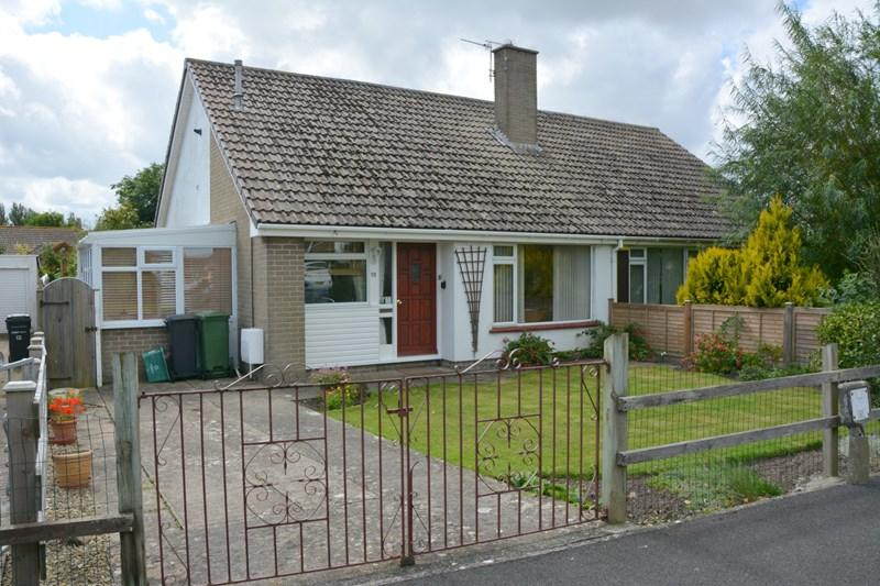 2 Bedrooms Semi Detached Bungalow for sale in Steart Avenue, Burnham-On-Sea
