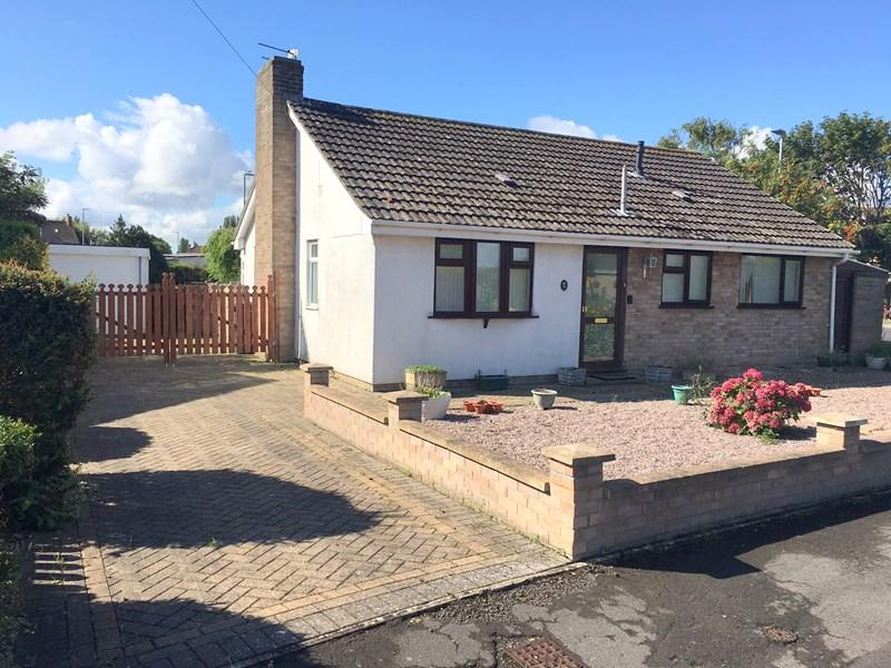 2 Bedrooms Detached Bungalow for sale in Oldway Place, Highbridge