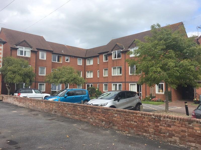 1 Bedroom Flat for sale in Rectory Road, Burnham-On-Sea