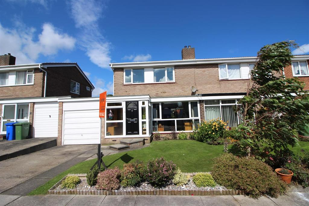3 Bedrooms Semi Detached House for sale in Wishaw Close, Cramlington