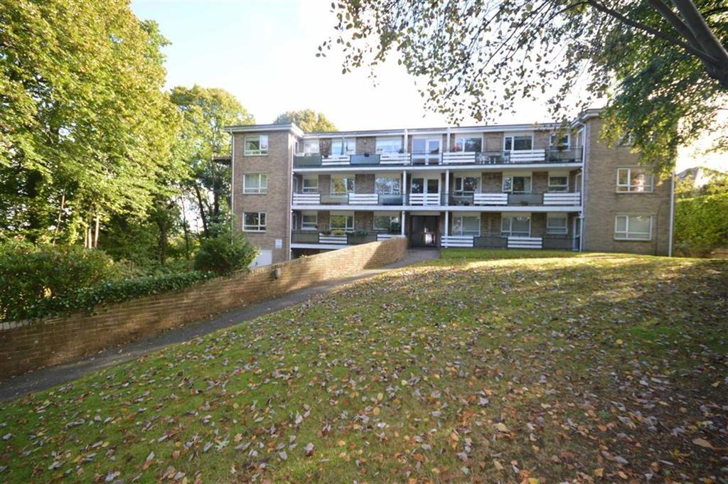 1 Bedroom Flat for sale in The Bluff, Bournemouth, Dorset, BH10