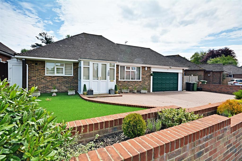 2 Bedrooms Detached Bungalow for sale in Birkdale, Bexhill-On-Sea