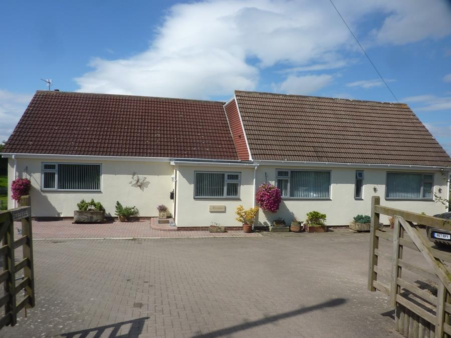 2 Bedrooms Detached Bungalow for sale in Worsall Road, Yarm