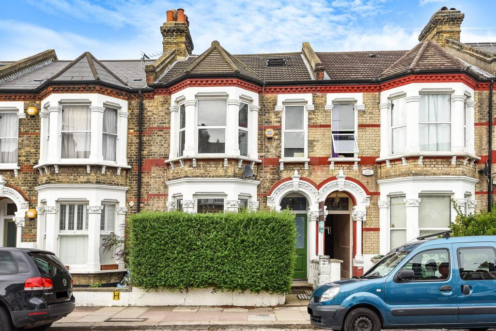 2 Bedrooms Flat for sale in Holmewood Road, Brixton Hill