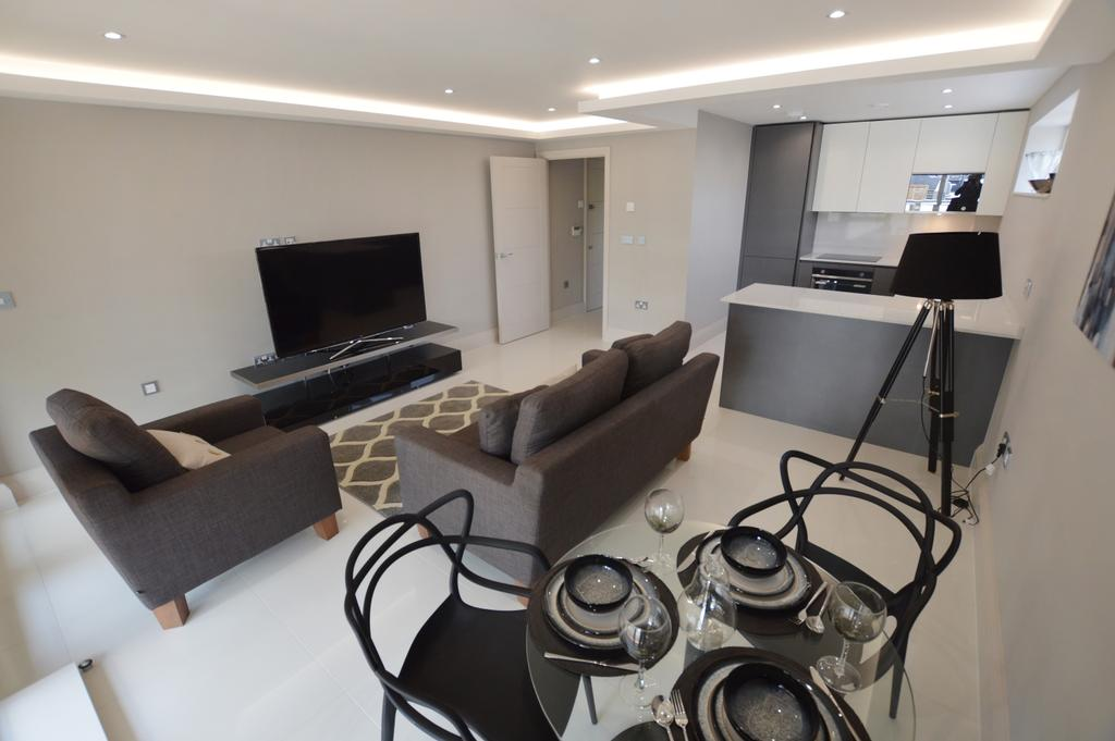 3 Bedrooms Flat for sale in Crystal Palace Parade Crystal Palace SE19