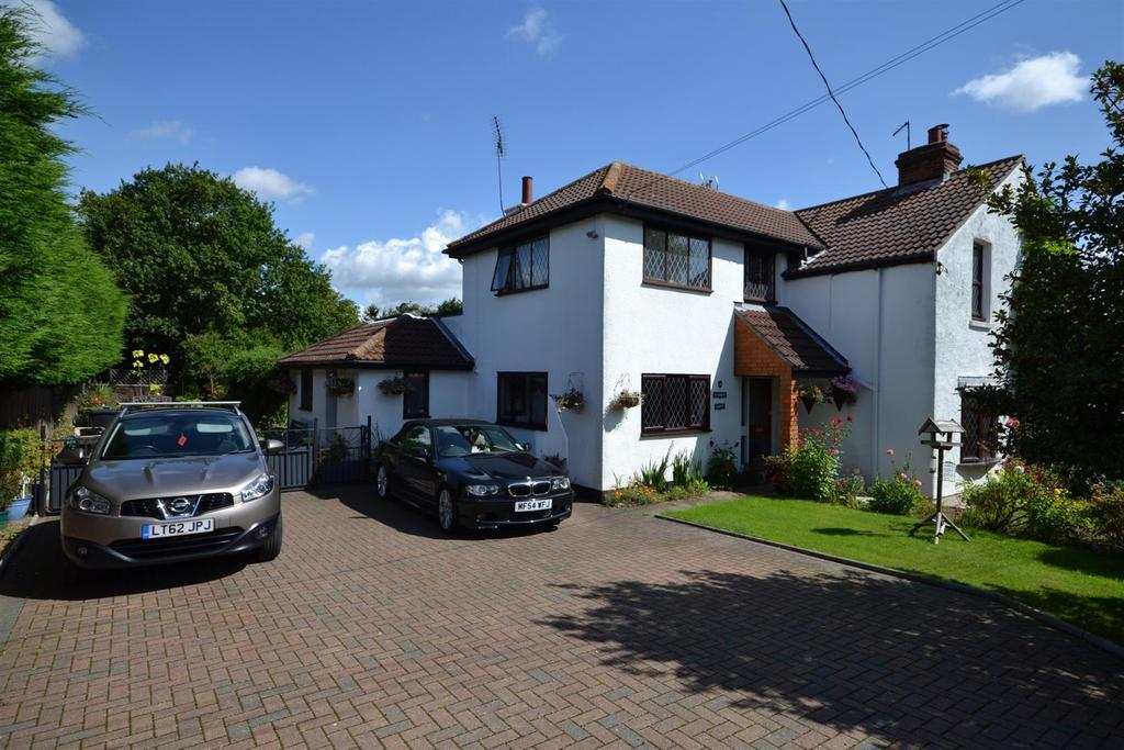 4 Bedrooms Cottage House for sale in Little Baddow