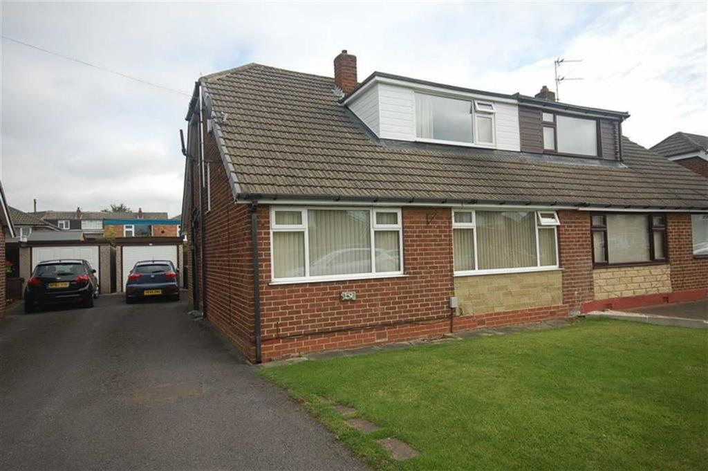 4 Bedrooms Semi Detached Bungalow for sale in Norman Road, Mirfield, WF14