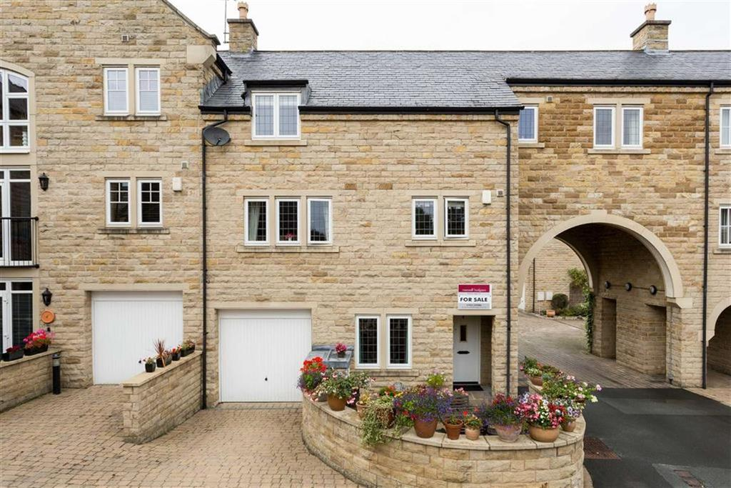 3 Bedrooms Terraced House for sale in Micklethwaite Steps, Wetherby, LS22