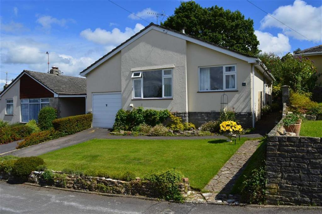 2 Bedrooms Detached Bungalow for sale in Hawk Close, Wimborne, Dorset