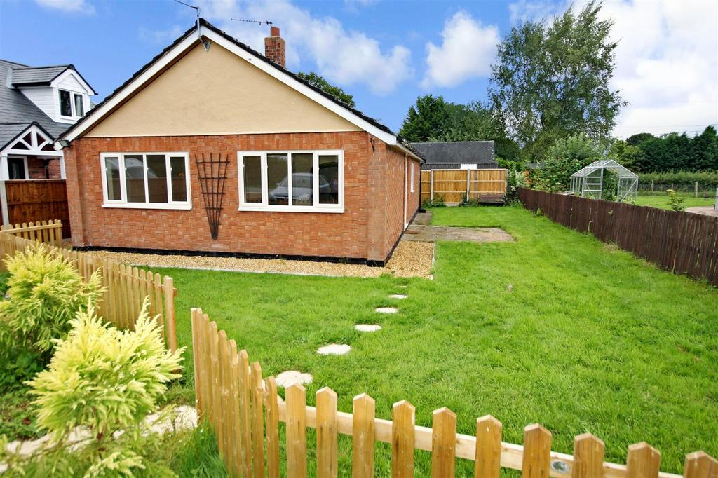 3 Bedrooms Detached Bungalow for sale in Criftins, Ellesmere