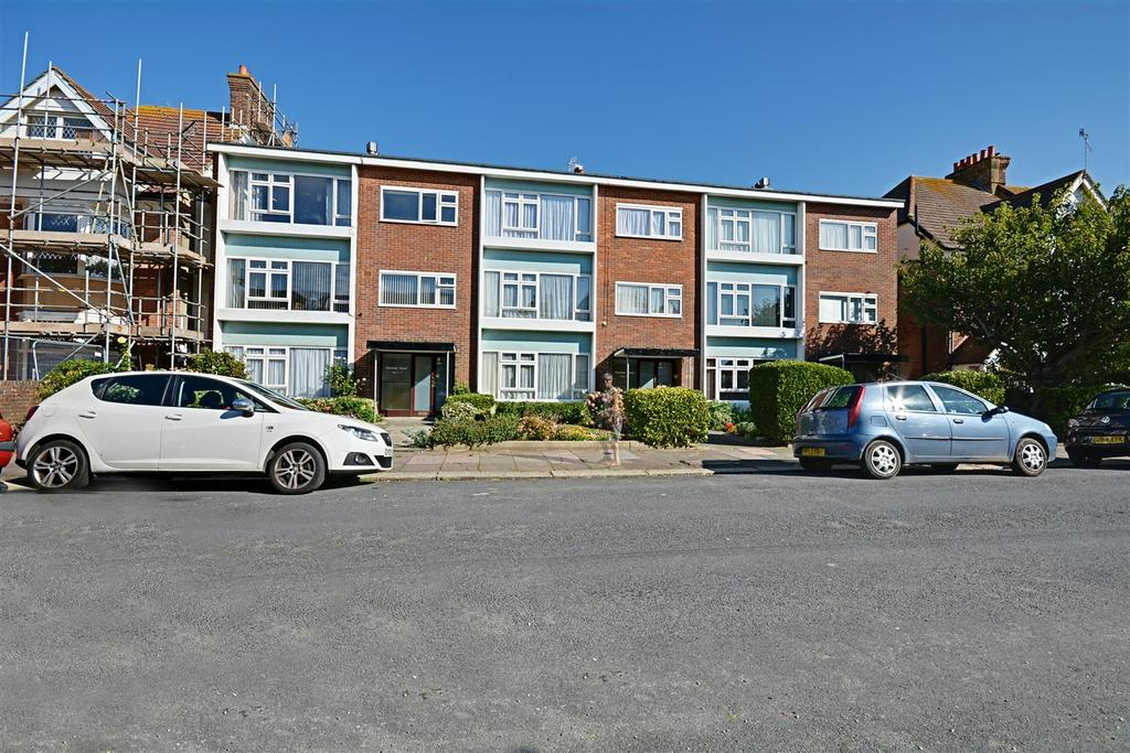 2 Bedrooms Flat for sale in Jameson Road, Bexhill On Sea