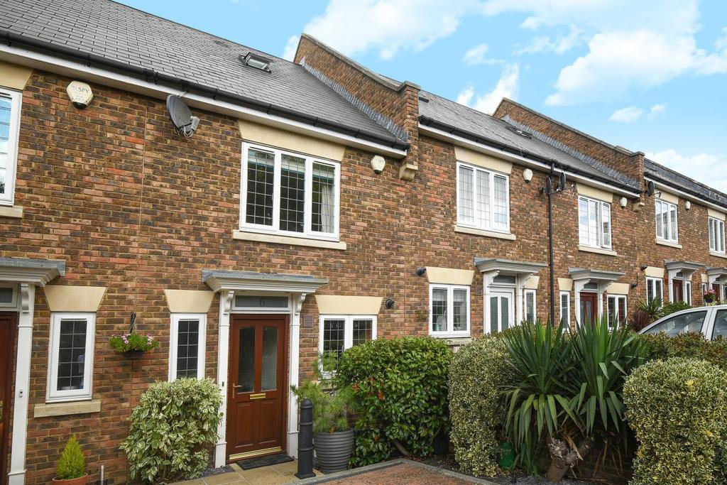 3 Bedrooms Terraced House for sale in Sheridan Place, Bromley