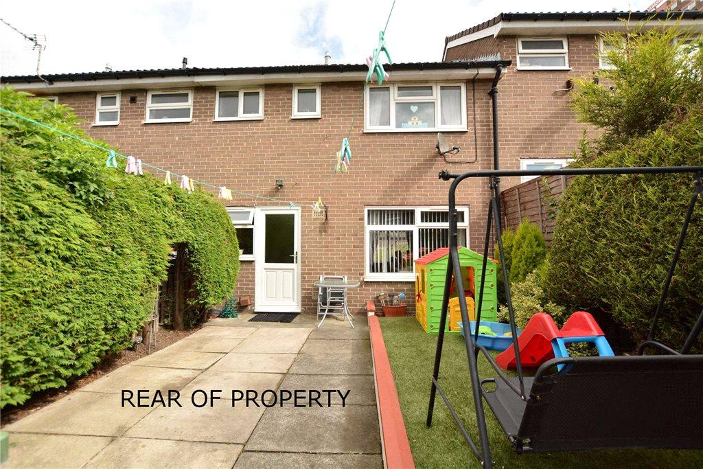 2 Bedrooms Terraced House for sale in Gamble Hill Chase, Leeds, West Yorkshire